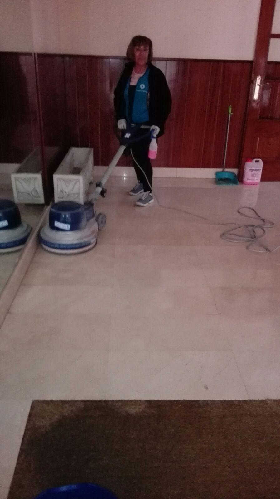 limpieza-de-cocinas-industriales-servicio-de-limpieza-en-vitoria-gasteiz-de-oficinas-suelos-mantenimiento-de-portales-con-precios-baratos-para-empresas
