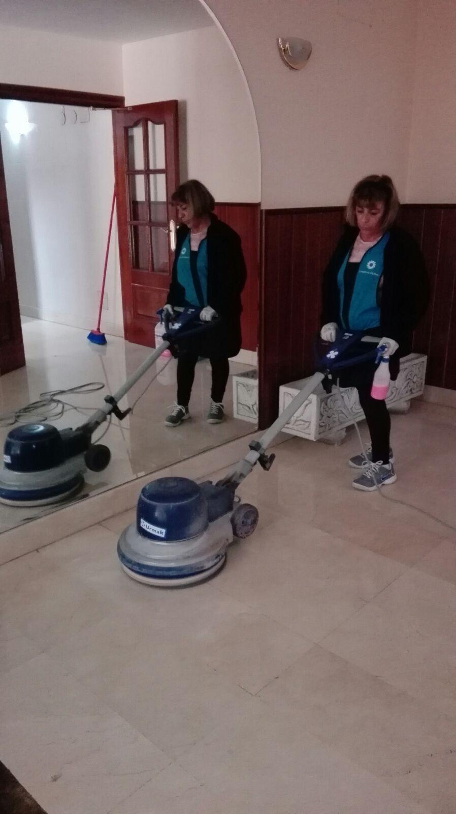 Limpieza de oficinas en vitoria limpiezas activa s l for Oficina correos vitoria